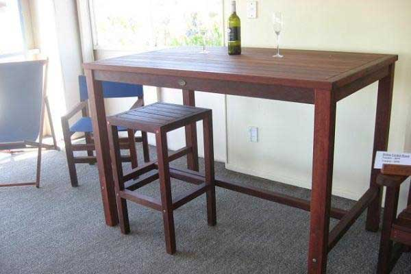 Bar Leaner Outdoor Table